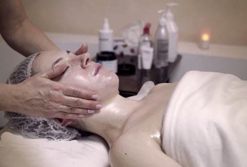 хиромассаж помогает омолодить лицо и тело